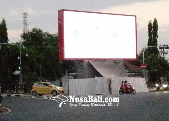 Nusabali.com - pemandangan-ke-layar-videotron-tak-efektif