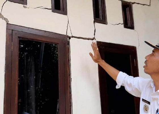 Nusabali.com - tanah-terus-bergerak-146-rumah-rusak