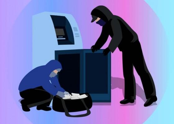 Nusabali.com - ditemukan-rp-26-m-di-rekening-pacar-hacker