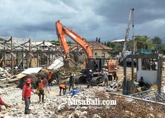 Nusabali.com - proyek-pasar-banyuasri-siap-tanam-tiang-pancang