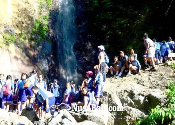 Nusabali.com - jelang-terima-rapor-smpn-3-selat-jalan-santai