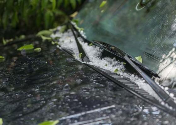 Nusabali.com - desa-landih-dan-desa-pengotan-diguyur-hujan-es