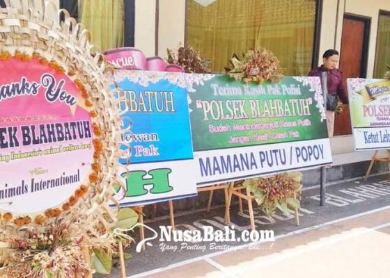 Nusabali.com - polsek-blahbatuh-banjir-karangan-bunga