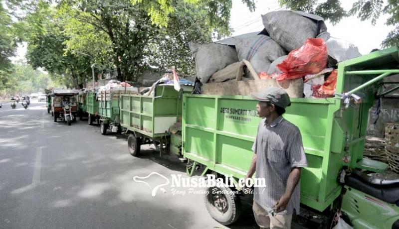 www.nusabali.com-dampak-perbaikan-tpss-kreneng-sampah-ditumpuk-di-tpss-yang-batu