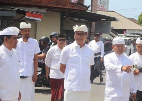 Nusabali.com - wabup-suiasa-tinjau-persiapan-pamelaspasan-di-pasar-umum-beringkit