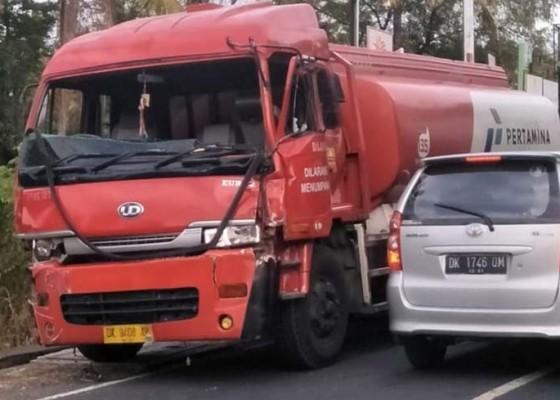 Nusabali.com - pemotor-di-tejakula-tewas-ditabrak-truk-tangki