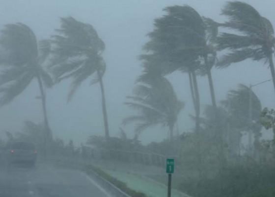 Nusabali.com - angin-kencang-terjang-berbagai-daerah