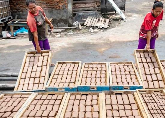 Nusabali.com - produksi-terasi-udang
