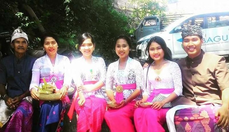 www.nusabali.com-berkat-12-tahun-pengabdiannya-angkat-pendidikan-warga-kolok