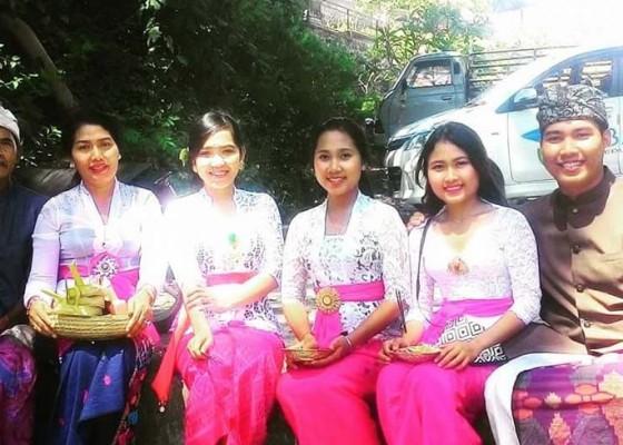 Nusabali.com - berkat-12-tahun-pengabdiannya-angkat-pendidikan-warga-kolok