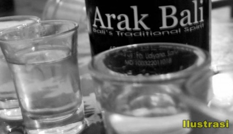 www.nusabali.com-arak-bali-minuman-khas-bali-yang-akan-diatur-tata-kelolanya-melalui-pergub