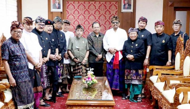 www.nusabali.com-paiketan-puri-sejebag-bali-temui-koster