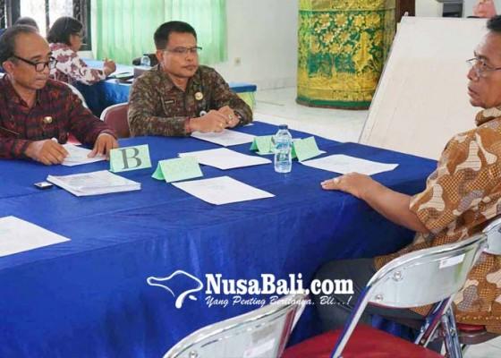 Nusabali.com - pelamar-kadis-dan-kaban-jalani-tes-kompetensi