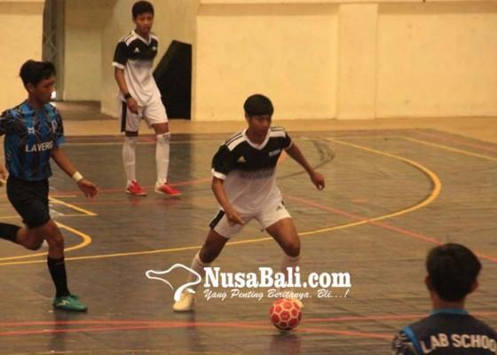 Nusabali.com - kejuaraan-futsal-buleleng-diikuti-16-tim-pelajar