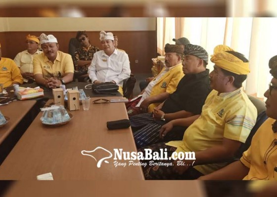 Nusabali.com - para-kandidat-merapat-ke-acara-hut-golkar
