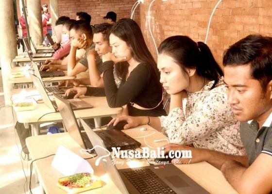 Nusabali.com - ratusan-peserta-antusias-ikut-uji-coba-tes-cpns