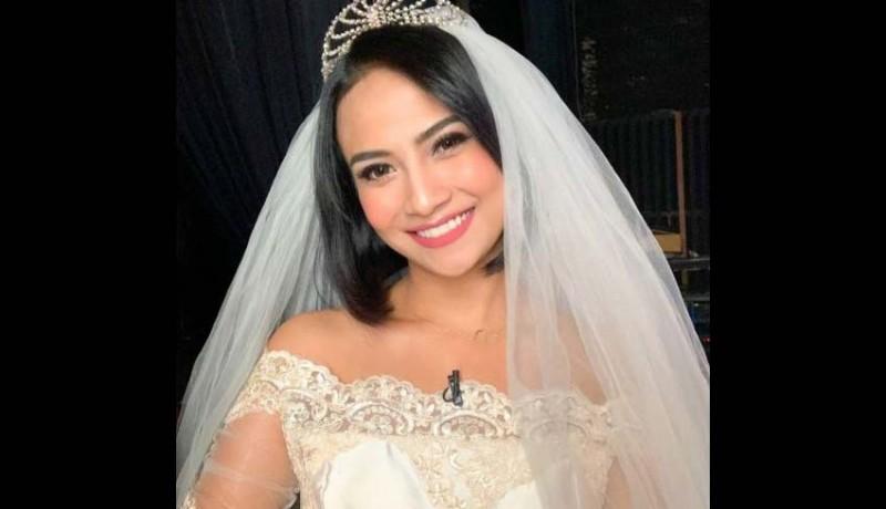 www.nusabali.com-vanessa-angel-menikah-diam-diam
