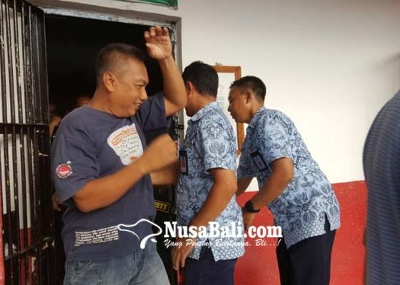 Nusabali.com - perbekel-celukan-bawang-dilantik-dan-langsung-diberhentikan