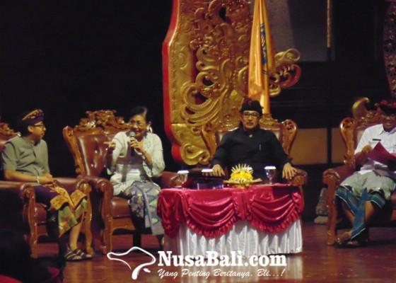 Nusabali.com - putri-suastini-koster-ada-degradasi-penggunaan-bahasa-bali