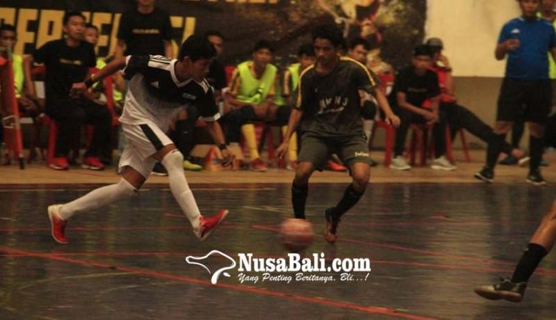 www.nusabali.com-tim-futsal-4-sekolah-ke-semi-final-panitia-warning-suporter