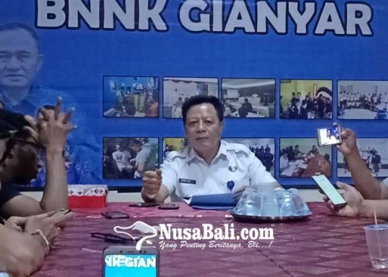 Nusabali.com - mulai-2020-calon-pengantin-dites-urine