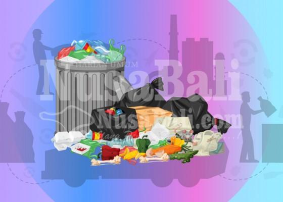 Nusabali.com - sampah-kiriman-mulai-menepi-di-pantai-kuta