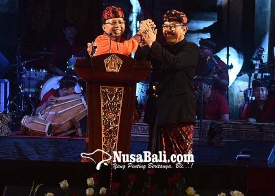 Nusabali.com - 40-sanggar-seni-dapat-penghargaan-kbs-nugraha