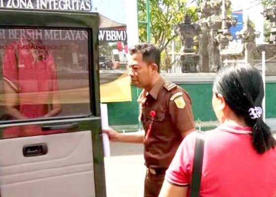 Nusabali.com - oknum-pns-terpidana-pencurian-diberhentikan-sementara