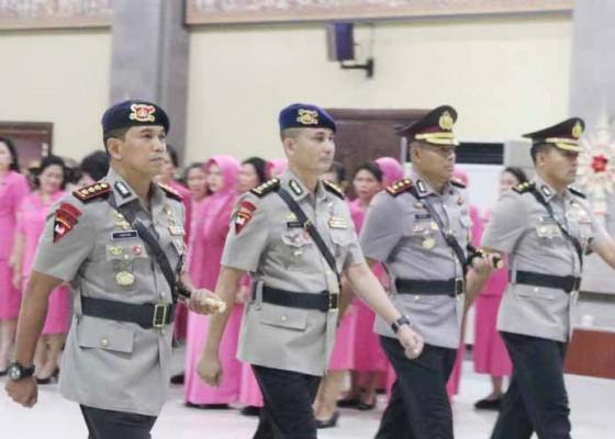 Nusabali.com - dansat-brimob-dan-kapolres-gianyar-dimutasi