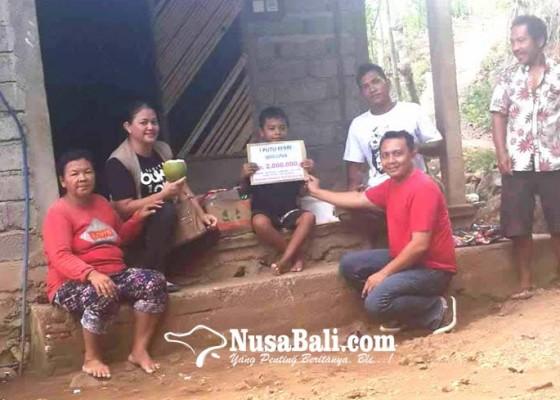 Nusabali.com - relawan-bantu-siswa-yatim-di-seraya