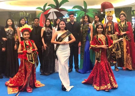 Nusabali.com - top-model-indonesia-semarakkan-hari-ibu-dan-natal-melalui-fashion-show