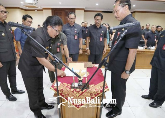 Nusabali.com - bupati-badung-mendadak-geser-4-pejabat-eselon-ii