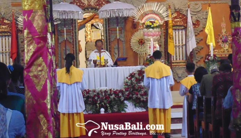 www.nusabali.com-gereja-katolik-tritunggal-mahakudus-konsisten-lestarikan-budaya-bali