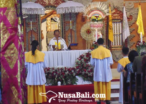Nusabali.com - gereja-katolik-tritunggal-mahakudus-konsisten-lestarikan-budaya-bali