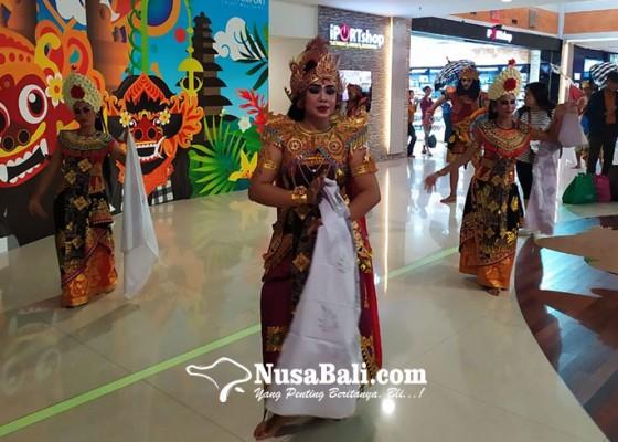 Nusabali.com - sambut-nataru-bandara-ngurah-rai-suguhkan-atraksi-budaya