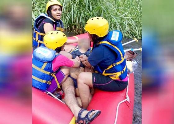Nusabali.com - wisatawan-india-tewas-tenggelam-saat-rafting-di-sungai-telaga-waja