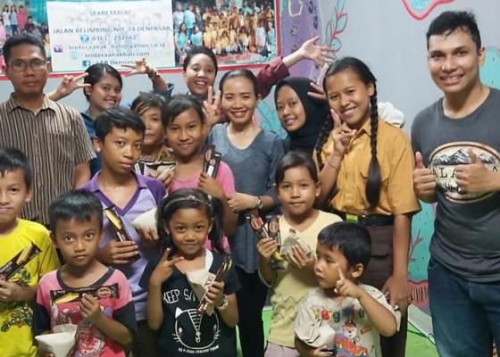 Nusabali.com - weekend-produktif-dosen-stiki-ajak-anak-kurang-mampu-pasar-badung-untuk-bermain-dan-belajar