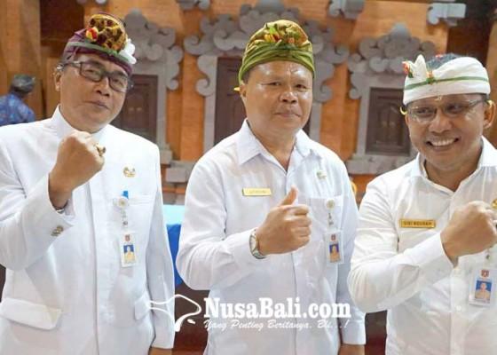 Nusabali.com - 3-pejabat-eselon-iib-karangasem-hasil-lelang-dilantik-mas-sumatri