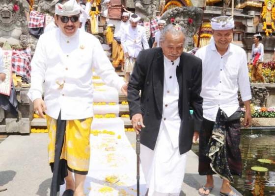 Nusabali.com - bertaksu-berkat-pondasi-padma-bhuwana