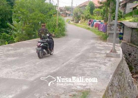 Nusabali.com - jalan-menuju-kampung-wakil-bupati-tuntas-diperbaiki