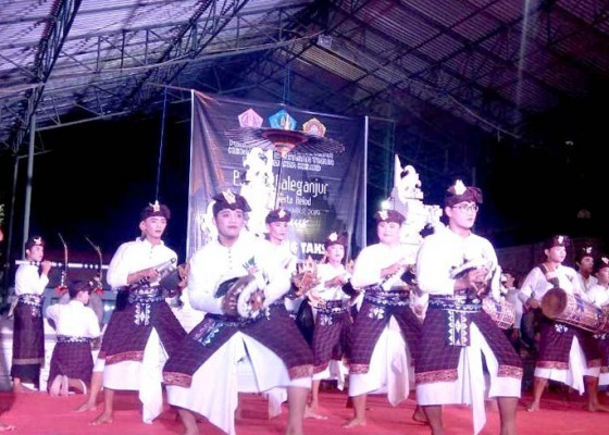 Nusabali.com - desa-sumerta-kelod-gelar-parade-baleganjur