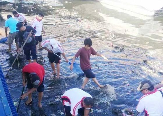 Nusabali.com - didominasi-sampah-plastik-volume-capai-2-truk-tiap-hari