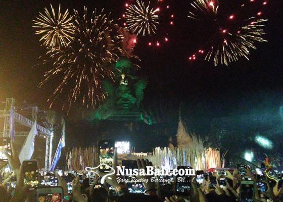 Nusabali.com - begini-kemeriahan-malam-pergantian-tahun-di-gwk
