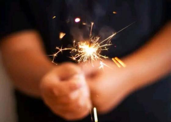 Nusabali.com - 3-orang-masuk-rs-karena-kembang-api