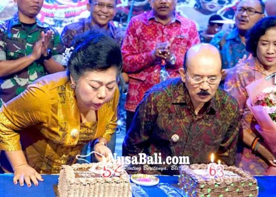 Nusabali.com - mas-sumatri-dan-artha-dipa-rayakan-ultah-bersama