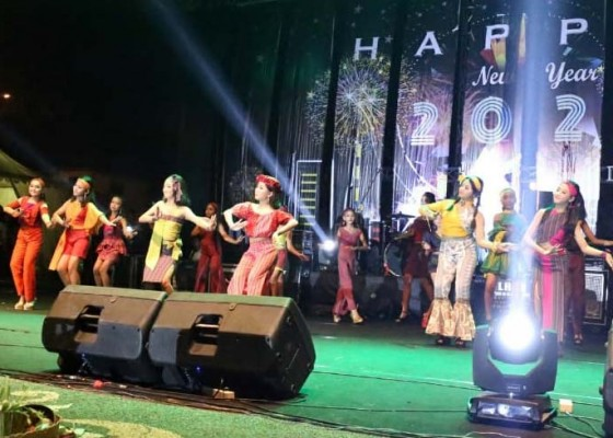 Nusabali.com - aneka-hiburan-meriahkan-penyambutan-tahun-baru