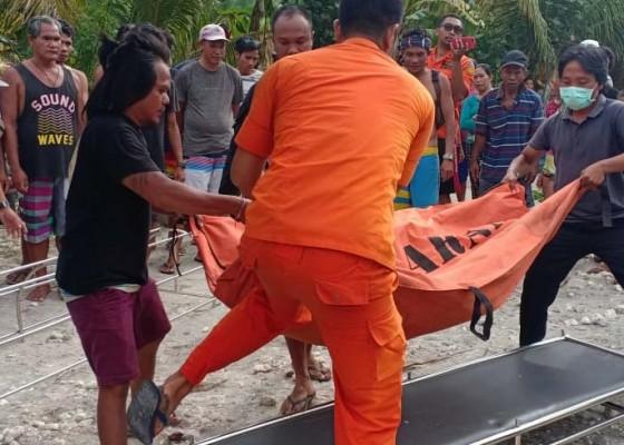 Nusabali.com - pemancing-tersambar-ombak-tewas