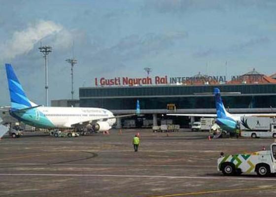 Nusabali.com - puncak-libur-nataru-bandara-layani-80-ribu-penumpang