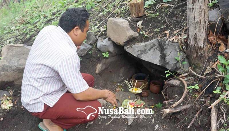 www.nusabali.com-perkumpulan-balian-pamangku-dan-relawan-lakukan-persembahyangan
