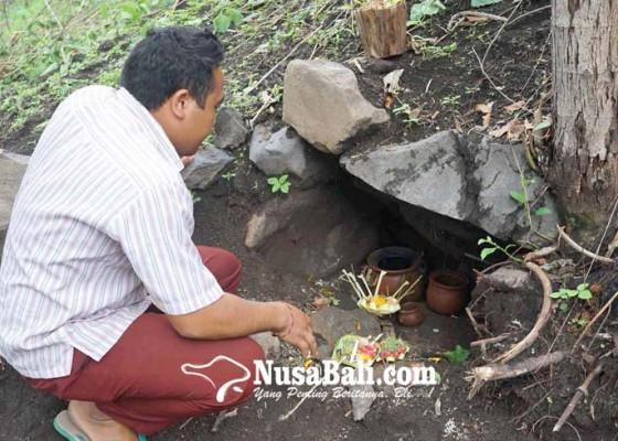 Nusabali.com - perkumpulan-balian-pamangku-dan-relawan-lakukan-persembahyangan